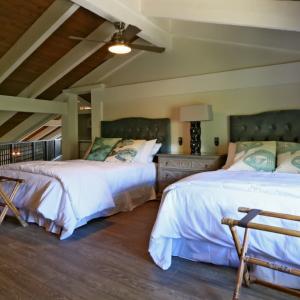 Hawaii Retreat Penthouse bedroom loft queen beds